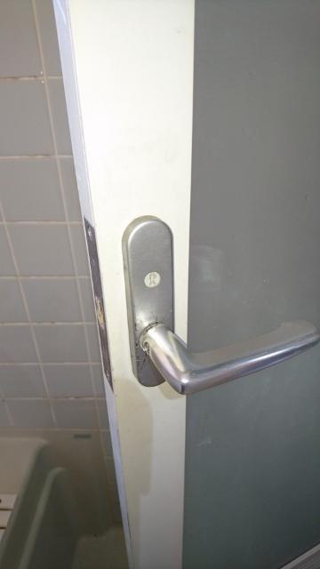 何とか錠前を破壊せずに扉を開けることが出来ました。