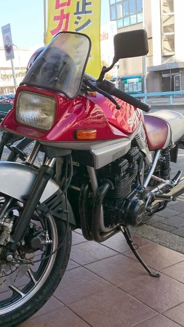 バリバリ伝説やキリンなどのバイク漫画や西武警察で舘ひろしさんが乗っていたバイクですね。私にはとても憧れのバイクでした。